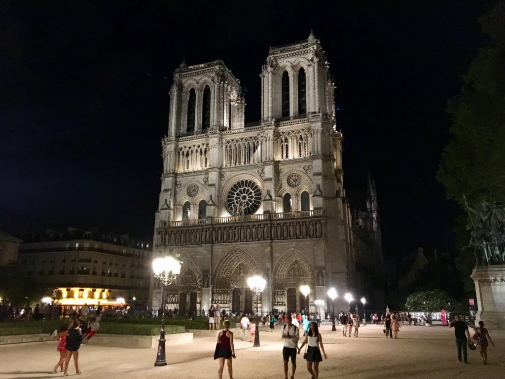 Notre Dame, la nuit